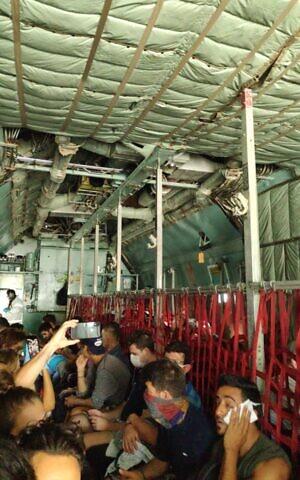 En-avión-militar-boliviano-hacia-Sao-Paulo-26-marzo vuelos